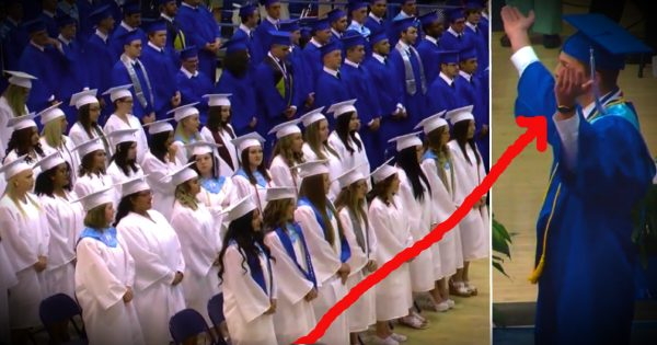 These High School Students Stood Up For Jesus At Their Graduation