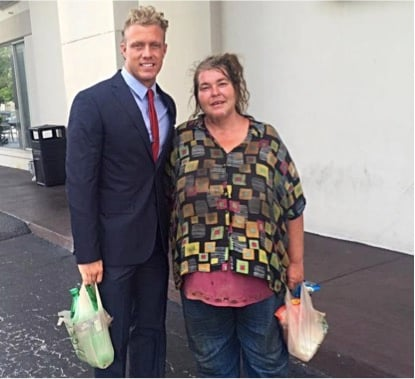 godupdates personal trainer teaches homeless woman how to read 5