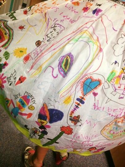 godupdates students draw on first grade teacher dress 2