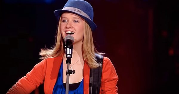 Young Girl Stuns Judges With Classic Love Song