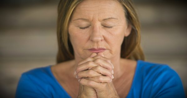 4 Powerful Ways Praying Grandparents Make A HUGE Difference