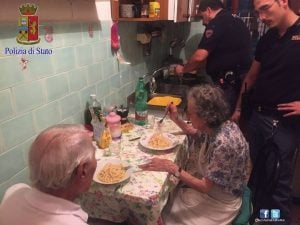 godupdates police fix meal for lonely elderly couple 3