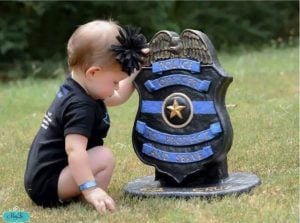 godupdates 3 year old daughter honors fallen police officer dad 1