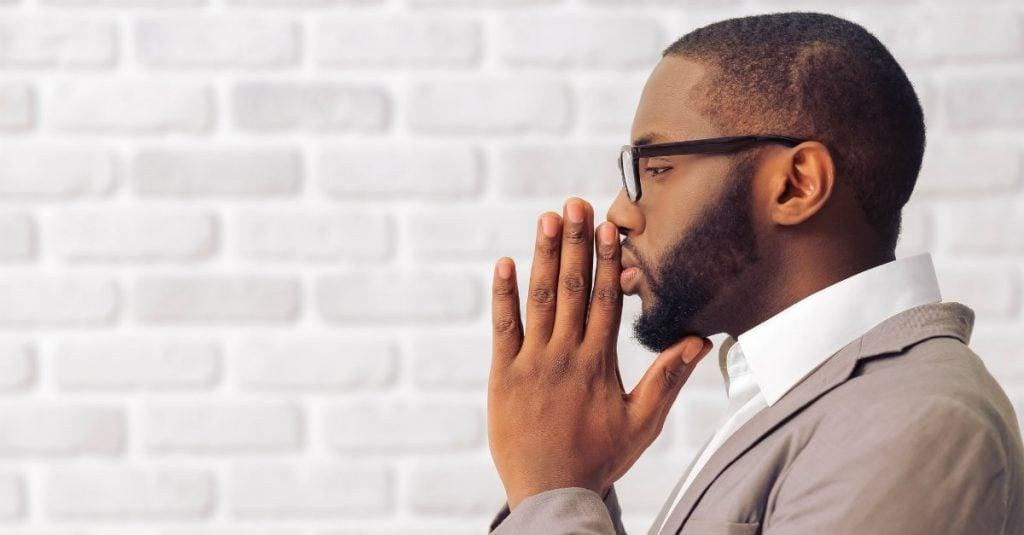 businessman-manpraying-prayer