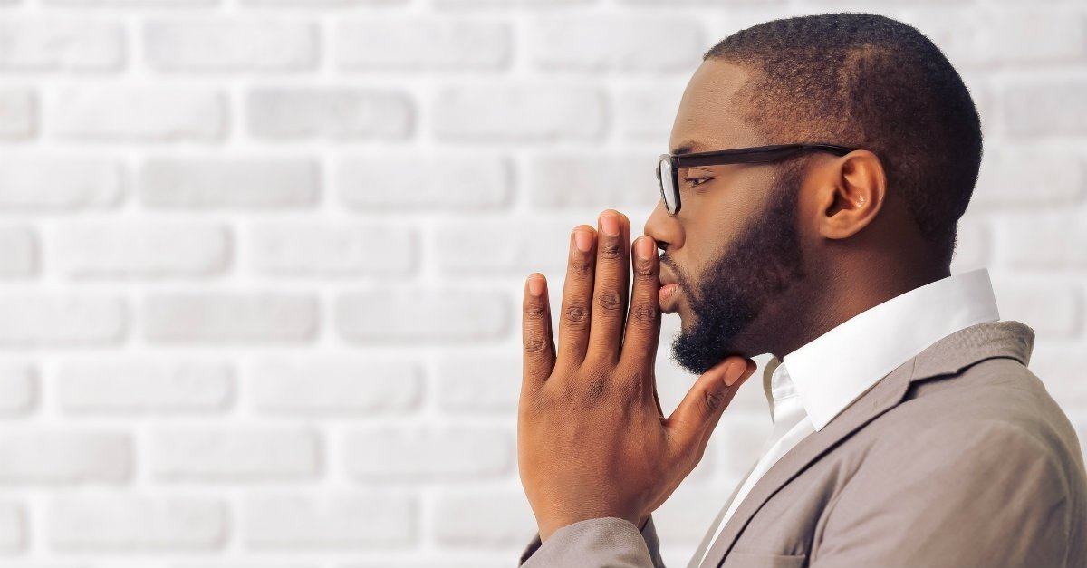 businessman-manpraying-prayer