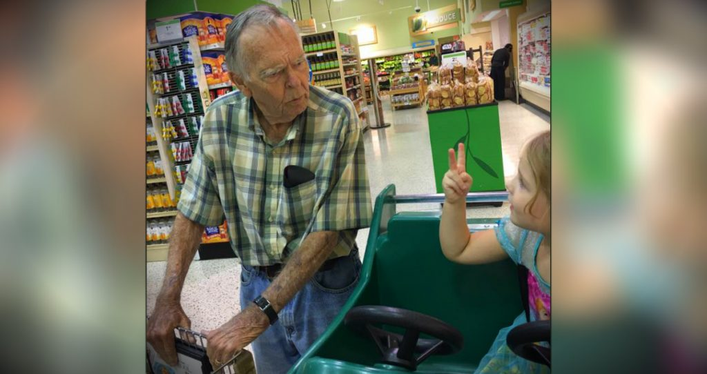 godupdates little girl and elderly man become friends at grocery store fb REV