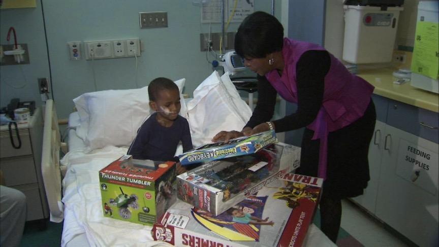 godupdates cafeteria worker saved money christmas gifts sick children 2