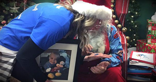 Santa Slips A Special Gift Into A Grieving Mom's Hand
