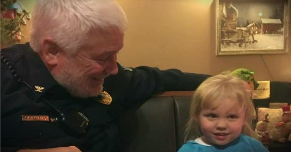 3-Year-Old Girl Mistakes White-Haired Police Officer For Santa Clause