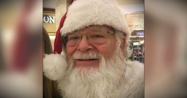 Family Prays Before Little Girl's Miraculous Visit With Santa