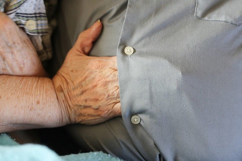 godupdates why wife with dementia slips hand under husband's shirt 4