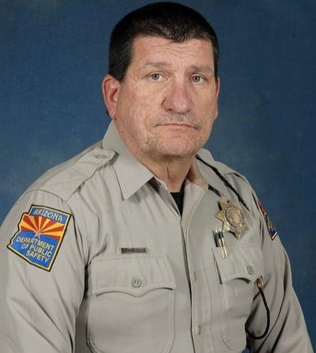 godupdates motorist stopped a man savagely beating an Arizona Trooper 1