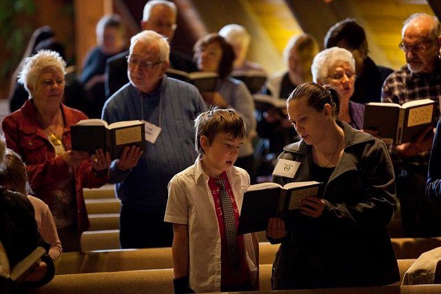 11 Ways Bringing Back Hymnals In Worship Connects Us As A Church
