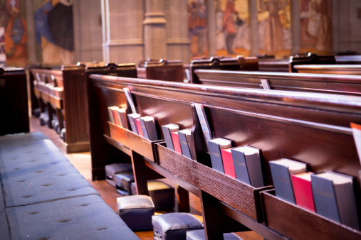 14 Reasons Why We Should Go Back to Using Hymnals In Worship _church pews _ godupdates