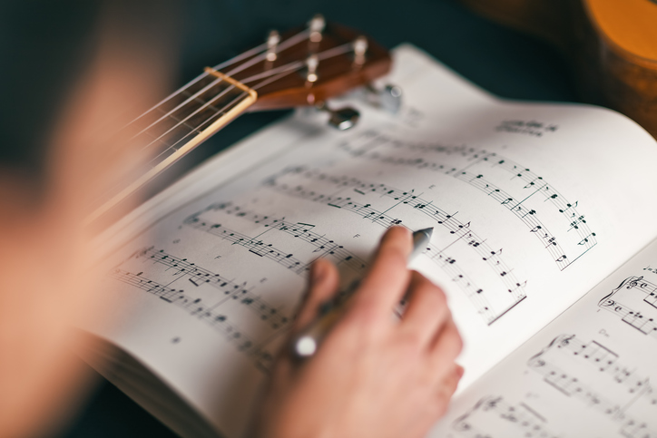 14 Reasons Why We Should Go Back to Using Hymnals In Worship _ sheet music _ godupdates