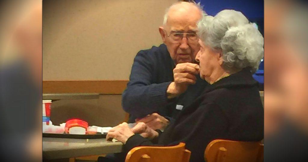 godupdates elderly man feeding his wife at wendy's fb