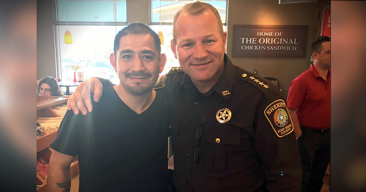 godupdates police officer saves man choking at Chick-fil-A fb