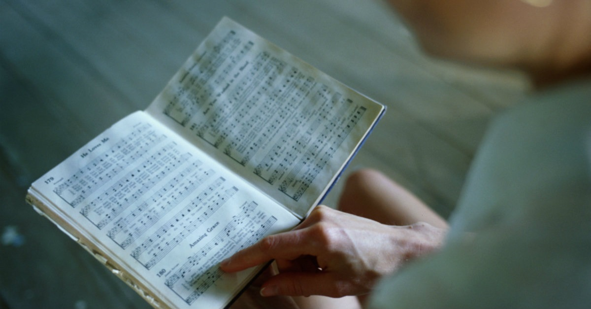 5 Things You Lose When You Give Up Your Hymnals