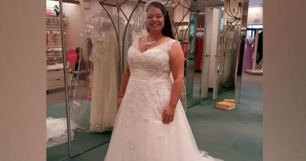 godupdates husband accidentally donates wifes wedding dress 1