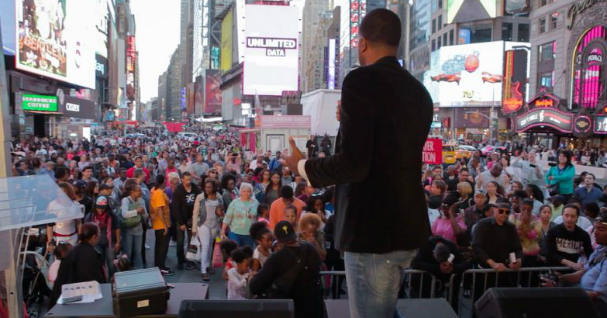godupdates 14000 show up at jesus week in times square fb