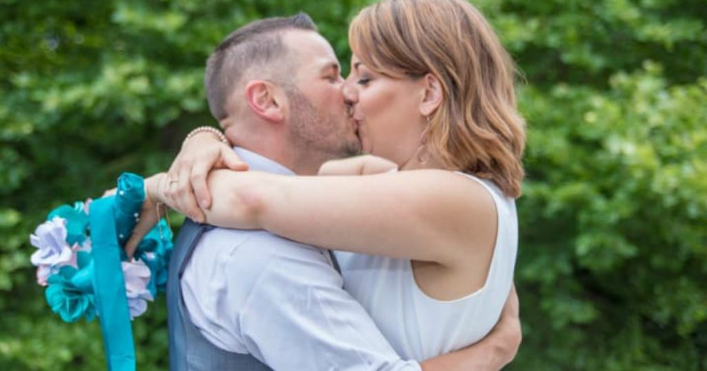 godupdates man surprises girlfriend date night turned wedding 4