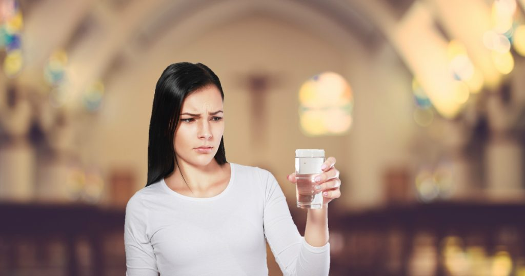 modern day parables pastor uses glass of water to teach lesson to complaining woman