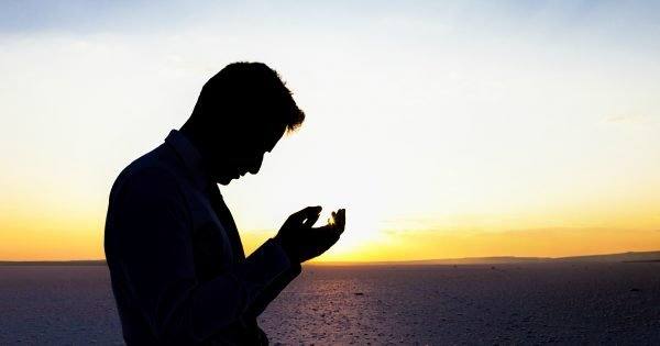 Here Are 4 Ways To Pray When Bad News Comes