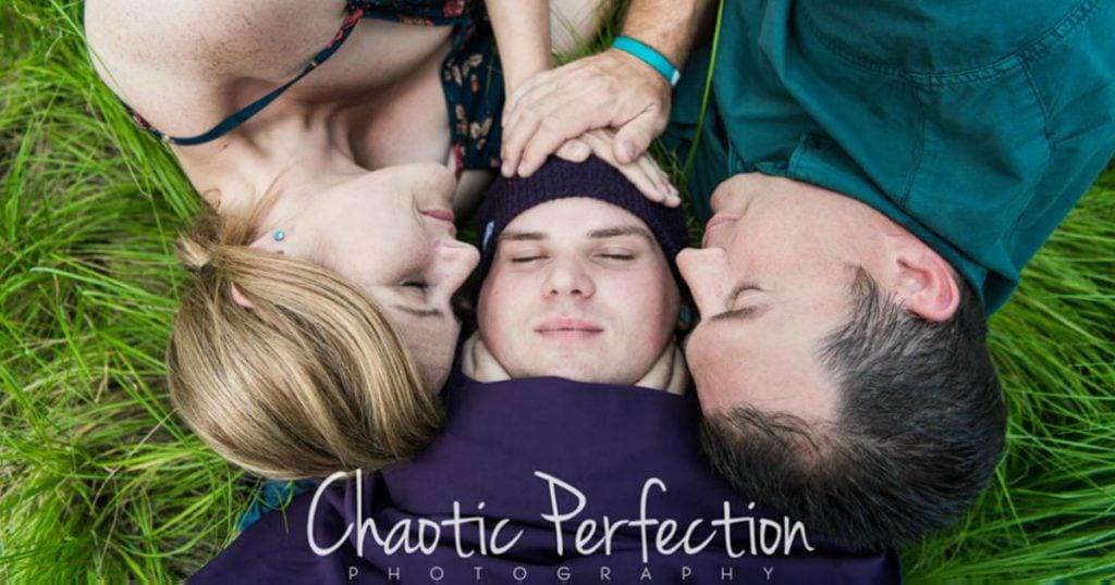 godupdates high school sweethearts newborn photoshoot with their 21-year-old son fb