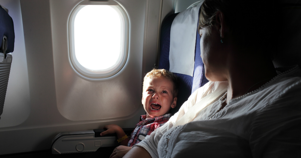 godupdates stranger's reaction to mom with crying kids on plane goes viral fb