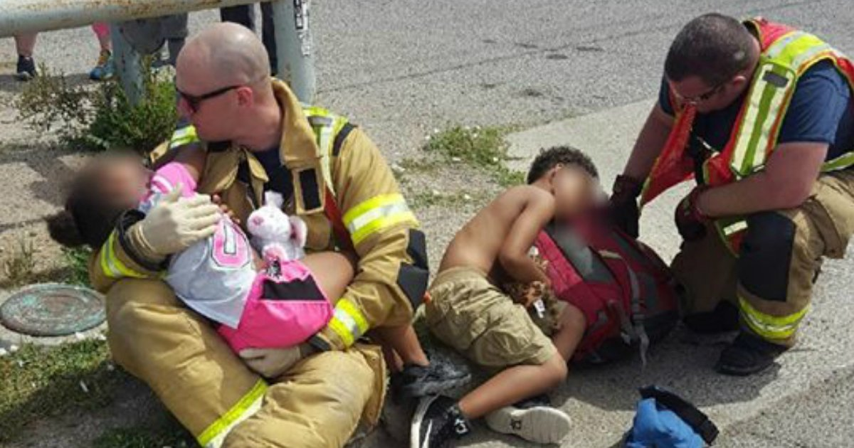 godupdates firefighters comfort scared children after car crash fb