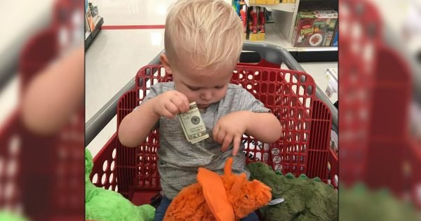 Stranger Hands Toddler $20 In Target For Heart-wrenching Reason
