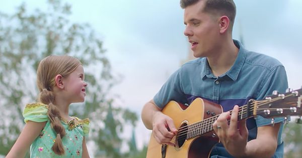 Duet Of Claire Ryann and Dad Sing 'A Whole New World' At Disney World