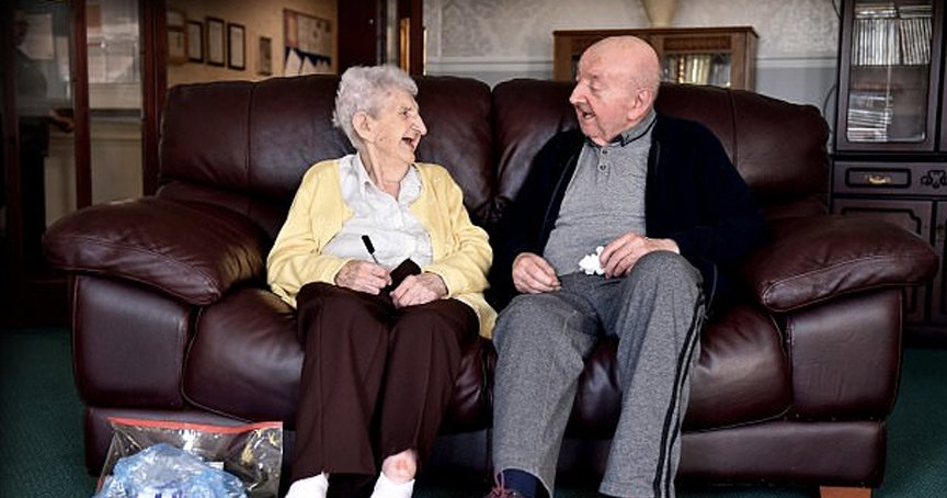 98-Yr-Old Mom Left Home, Shared The One Thing She'll Never Stop Doing _ ada and tom keating _ godupdates