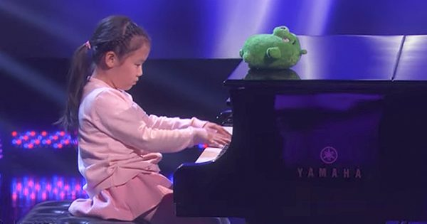6-Year-Old Piano Prodigy Spreads Happiness With Her Music