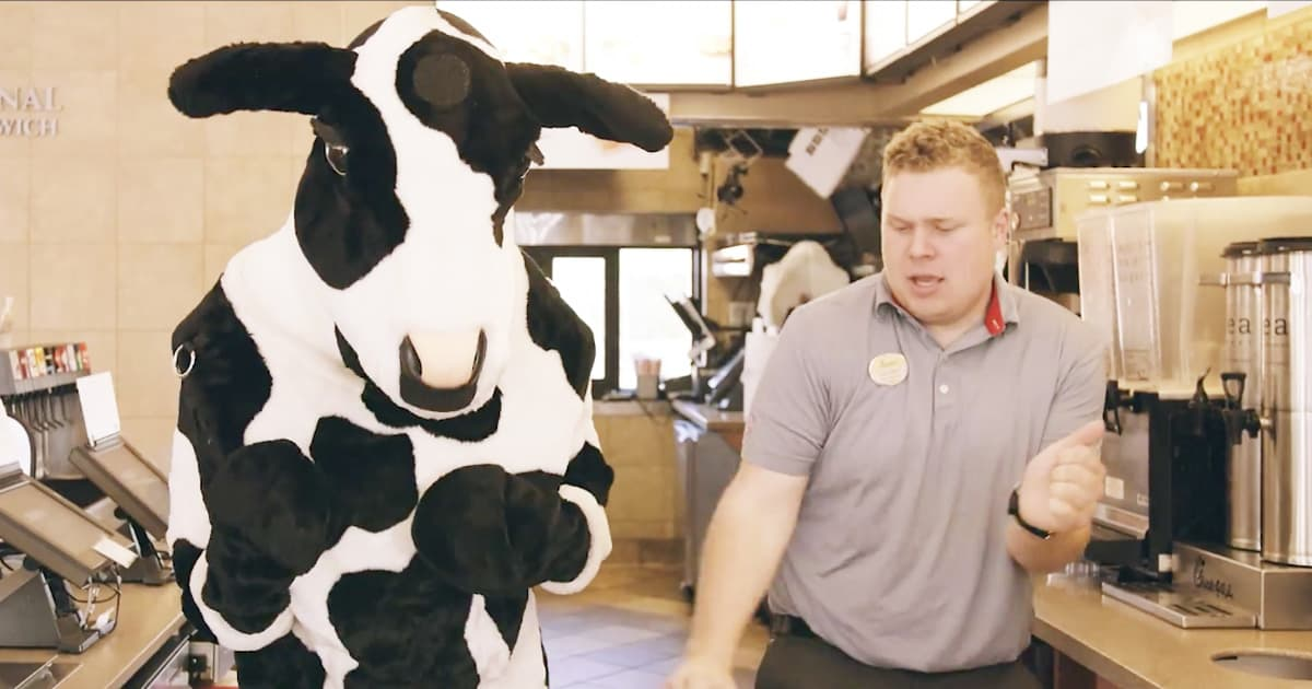Chick-Fil-A Employee's My Pleasure Song_GodUpdates