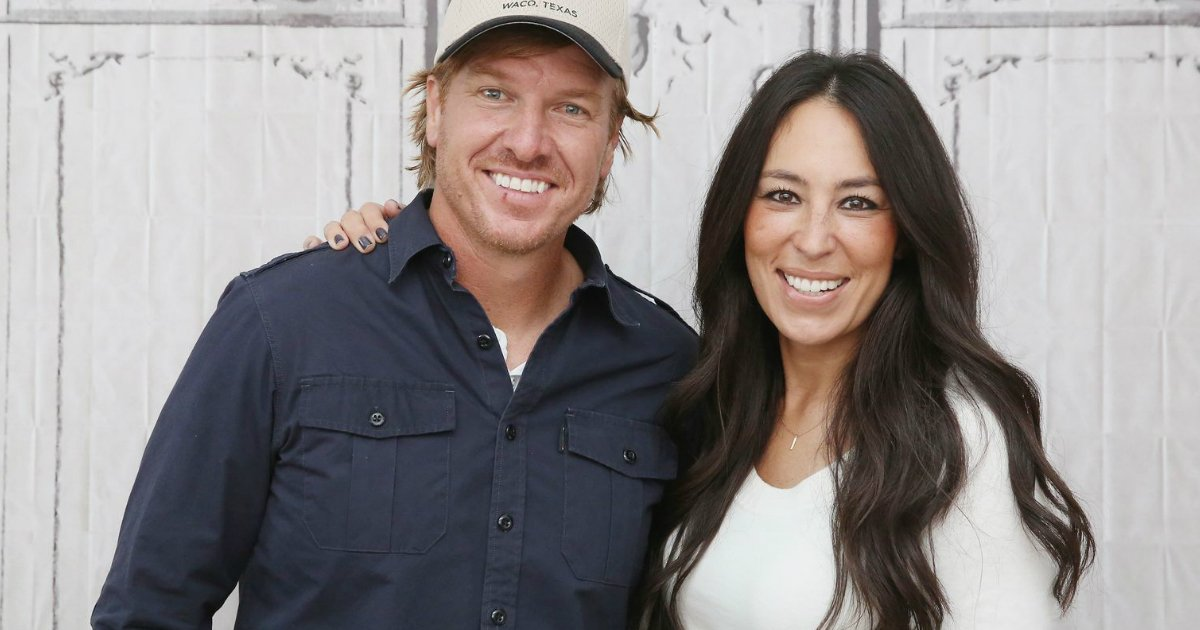 godupdates chip and joanna gaines showed up to help hurricane victim fb
