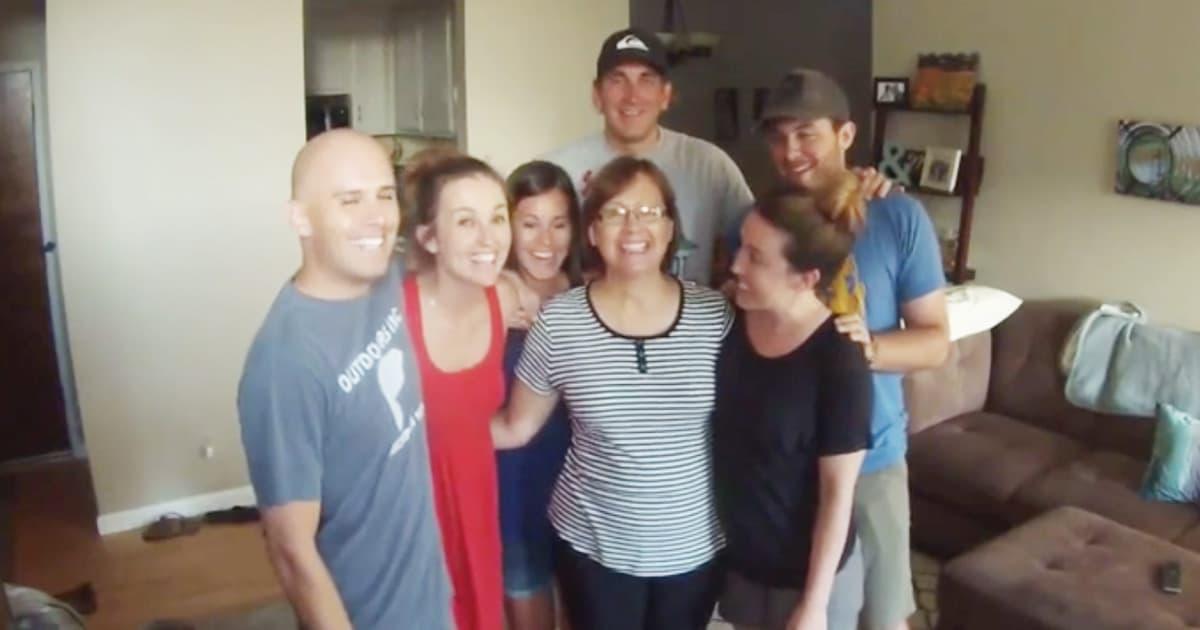 Family Photo Pregnancy Announcement_GodUpdates