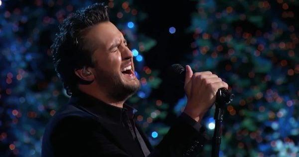 Luke Bryan Gives Incredible Performance Of 'O Holy Night'