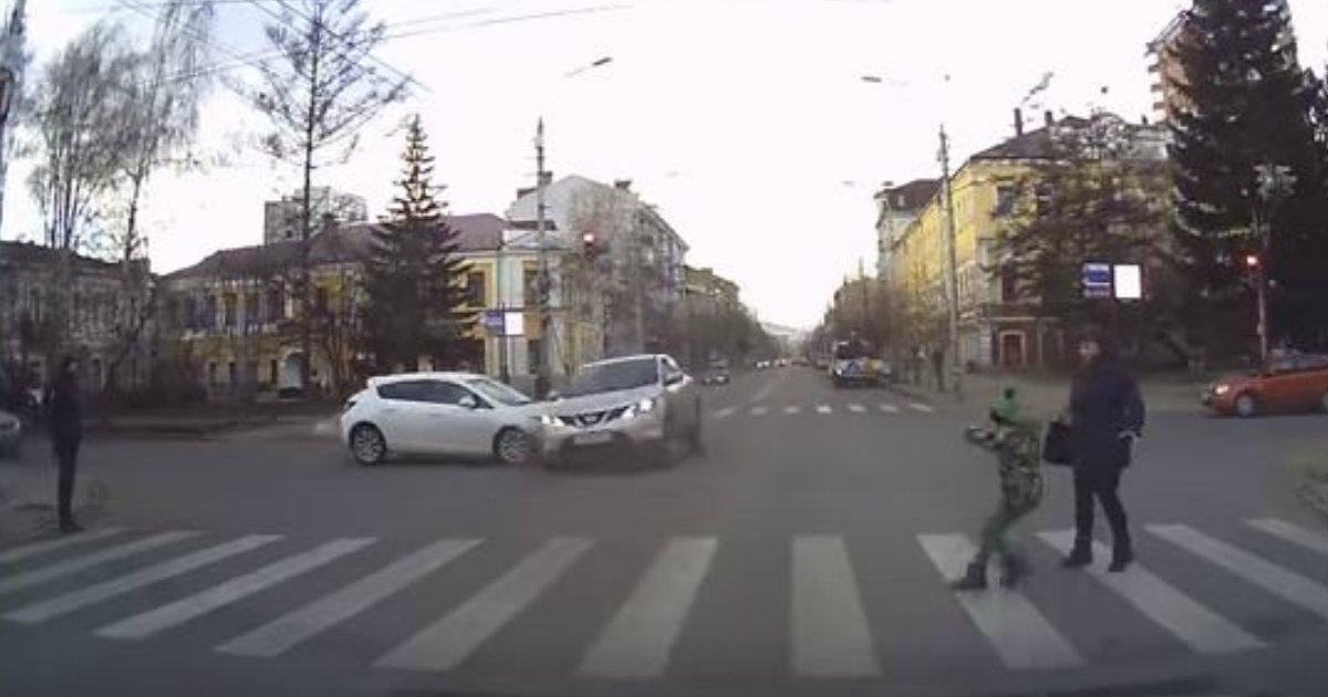 godupdates pedestrians almost got hit on crosswalk