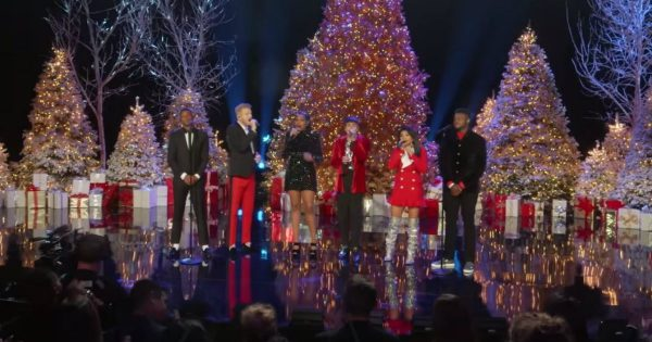 Pentatonix and Jennifer Hudson Performs 'How Great Thou Art'