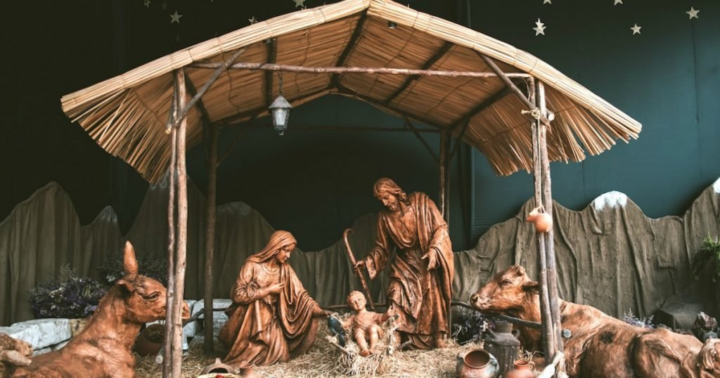 godupdates 10 christmas carols tell real story of christmas 1