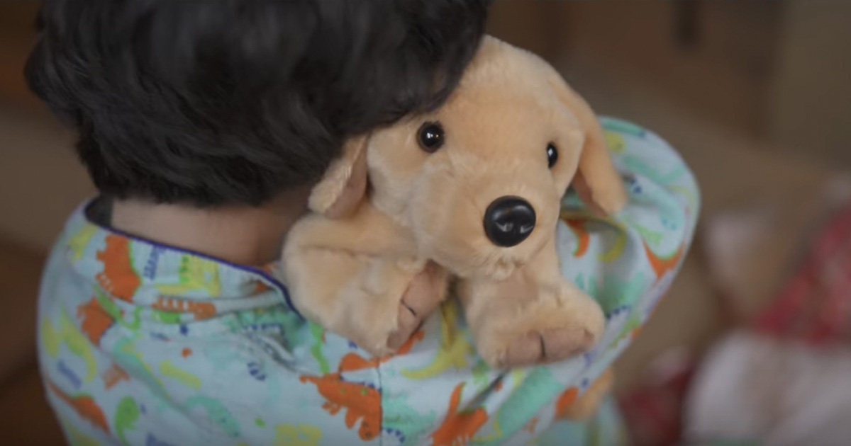 christmas ad about abandoned stuffed dog