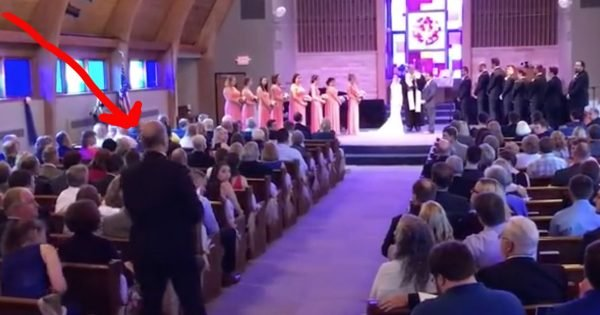 Bride Gets A Beautiful 'Amazing Grace' Wedding Flash Mob Surprise