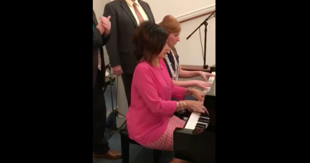 Church Pianists Impromptu Hymn Medley_GodUpdates