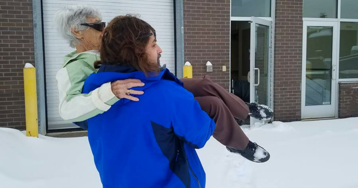 godupdates doctor carried his elderly patient thru snow to save vision fb