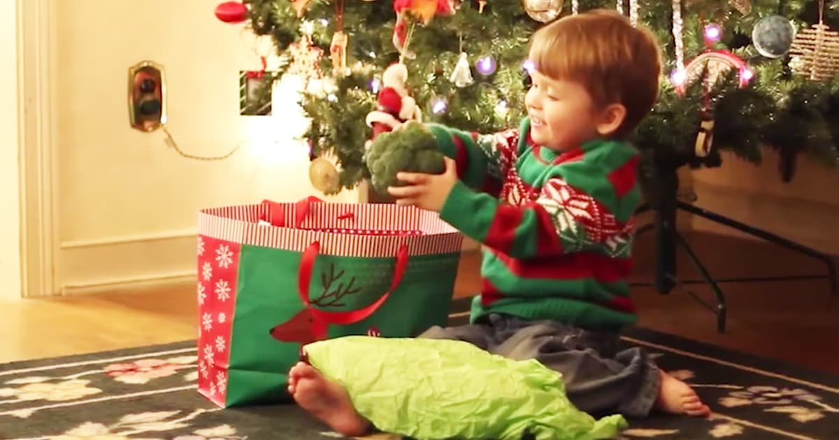 Little Boy Receives Vegetables For Christmas_GodUpdates