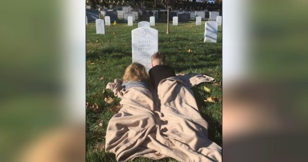 Moving Photo Of 2 Boys Visiting Father's Grave At Arlington National Cemetery