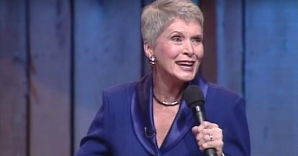 Jeanne Robertson Tries To Prank LB With Some Help From A Talking Santa