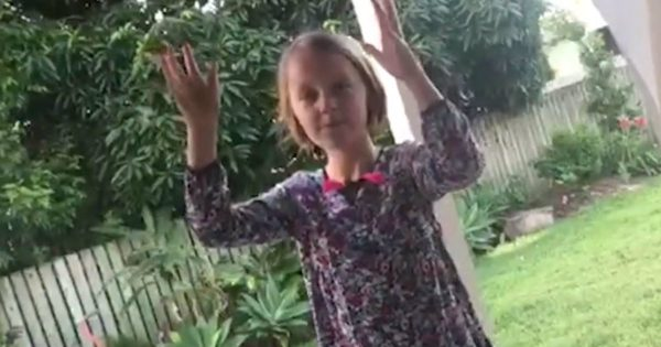 Little Girl With Autism Movingly Signs Her Favorite Song