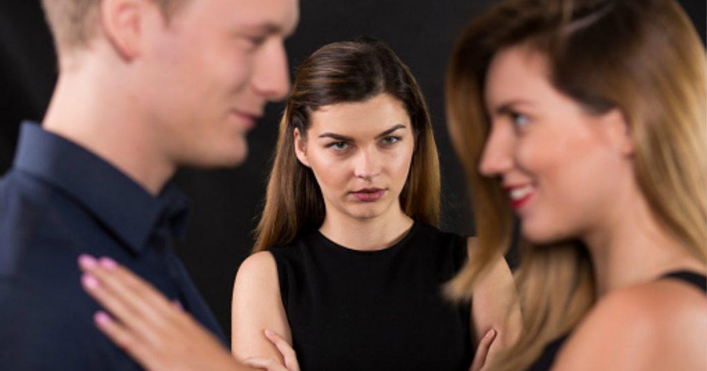 godupdates 5 ways micro-cheating may be ruining relationship 5